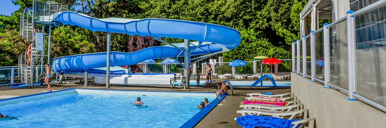 Camping auvergne avec piscine chauff e parc aquatique - Camping lac aiguebelette avec piscine ...